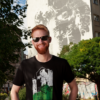 T-shirt-Man-Astronaut-Kosm.-Black--Print-white-and-green--Jannick-1-BD
