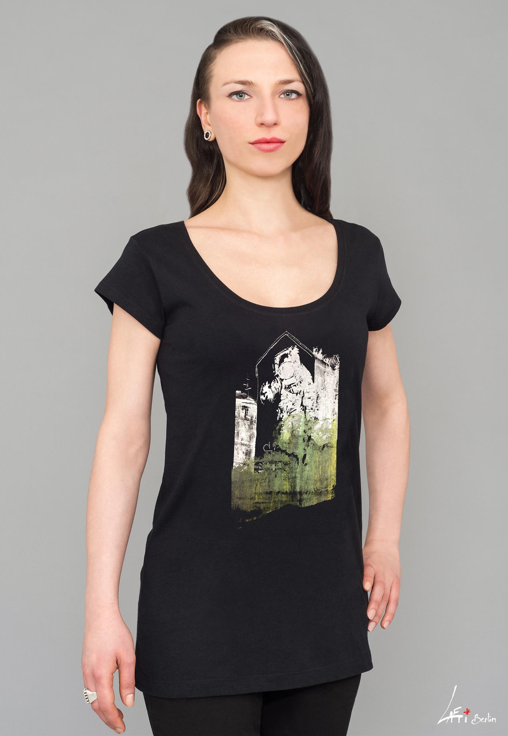 T-shirt Astronaut Kosmonaut Long black Scooped neck White Green charcoal print Woman