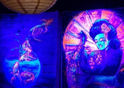 Salon Birgit & Bier- Live Painting blacklight 1 and 2- Geischa & Gold fishes
